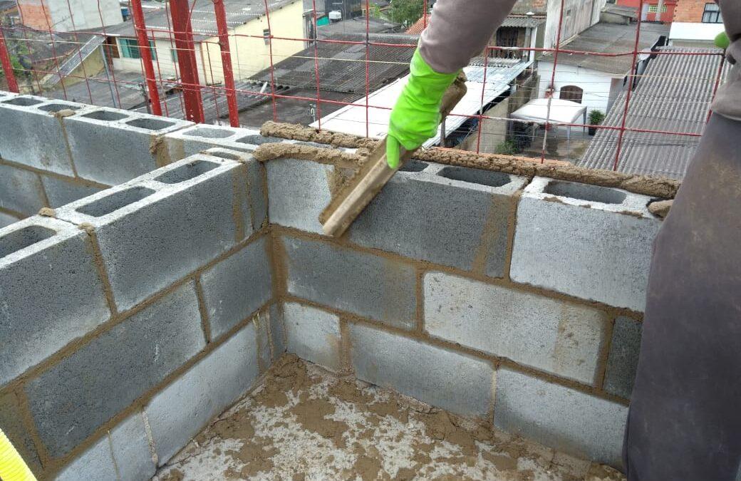 Bloco de concreto: 4 dicas para te ajudar na hora do assentamento!
