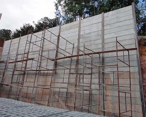 Cortina de concreto pré-moldado